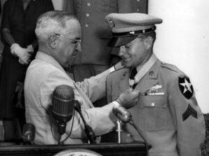 Congress passes Vietnam War Veterans Recognition Act