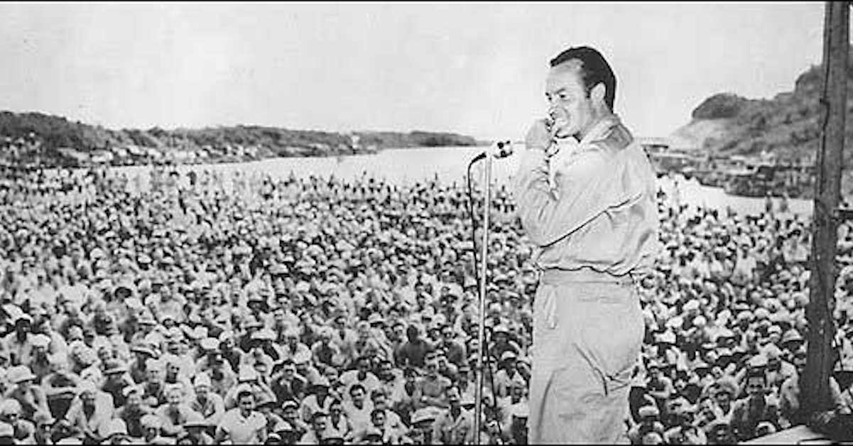 bob hope entertaining troops