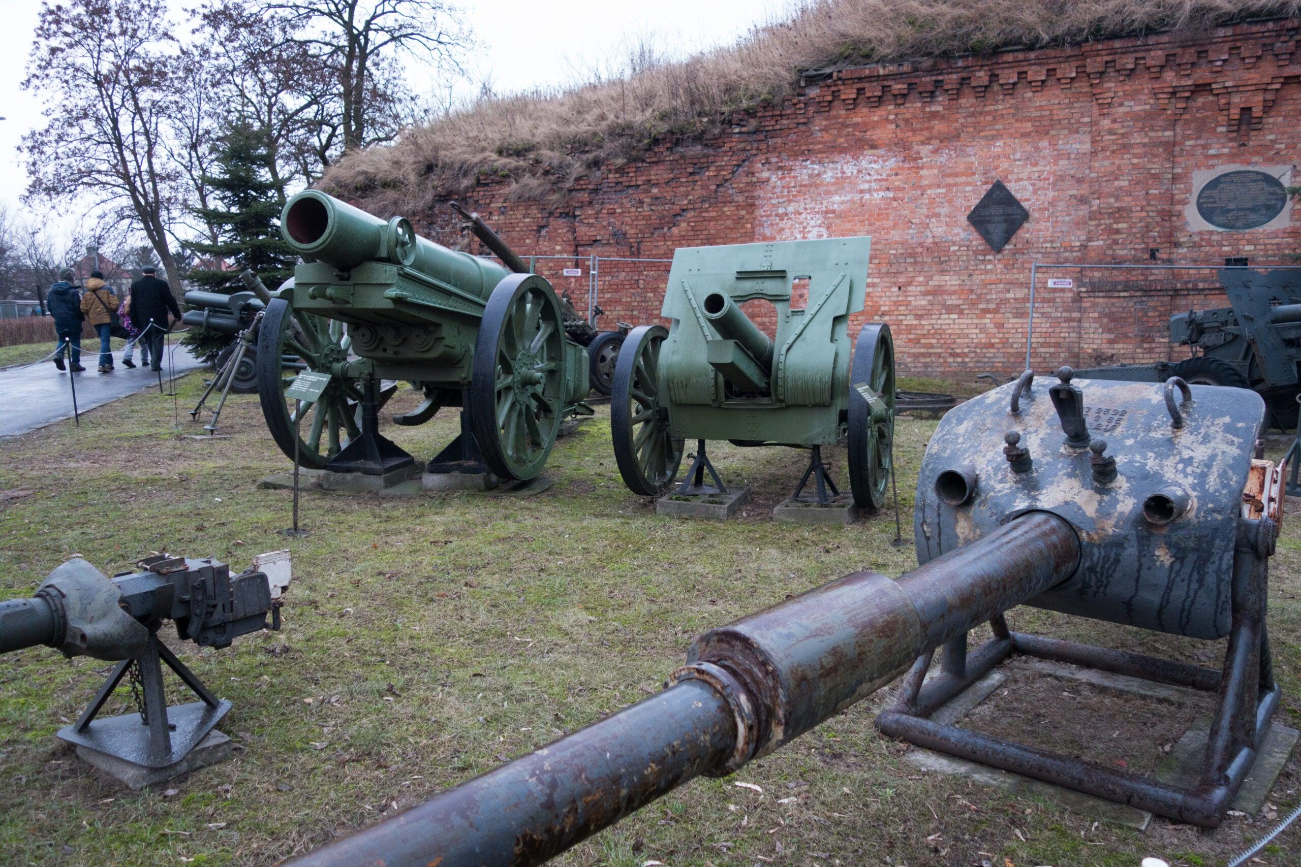 Poland artillery