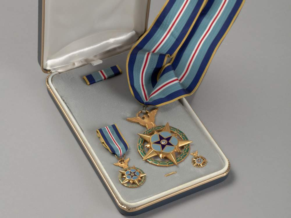 Space medal of honor