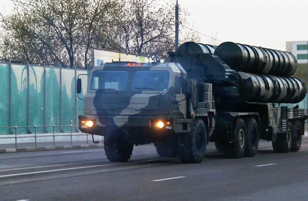 A Russian S-400 Triumf. (Image by Vitaliy Ragulin, Wikipedia)
