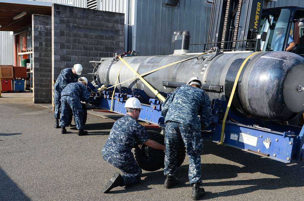 XLUUV submarine