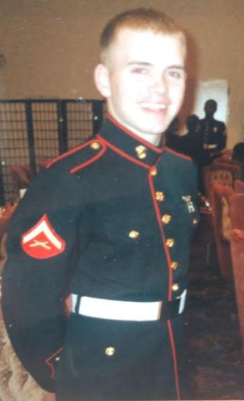 Teen creates American flag using plastic Army guys