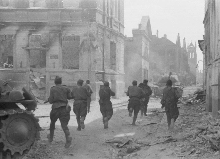 A Soviet soldier took on 50 Germans with grenades and an ax