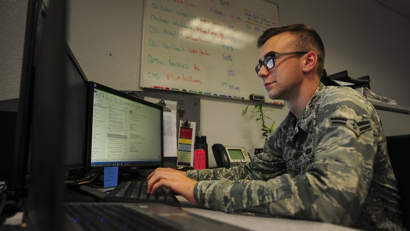 6 rules about military email to keep you out of trouble
