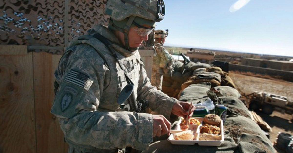 www.wearethemighty.com: 16 photos that show what Thanksgiving is like at war