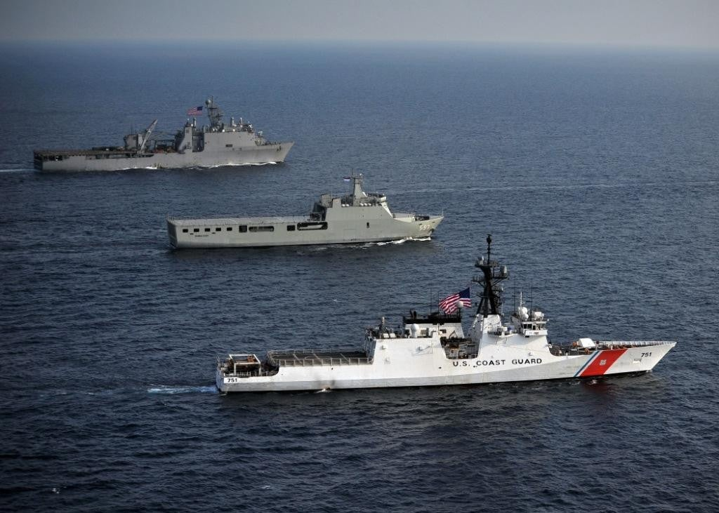 5 differences between the Navy and Coast Guard