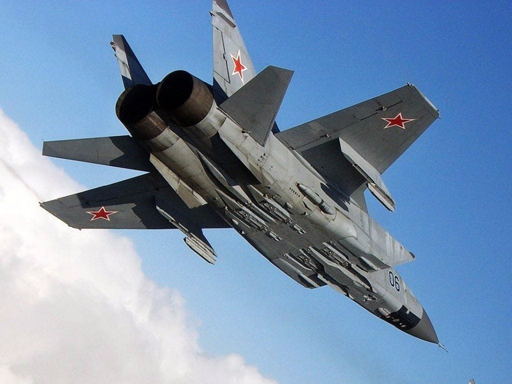 Watch this Russian Su-35 fighter make what seem like impossible aerial moves