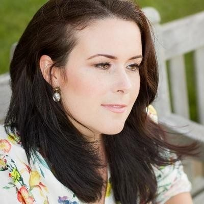 Victoria Kelly beautifully captures military spouse life in poetry book