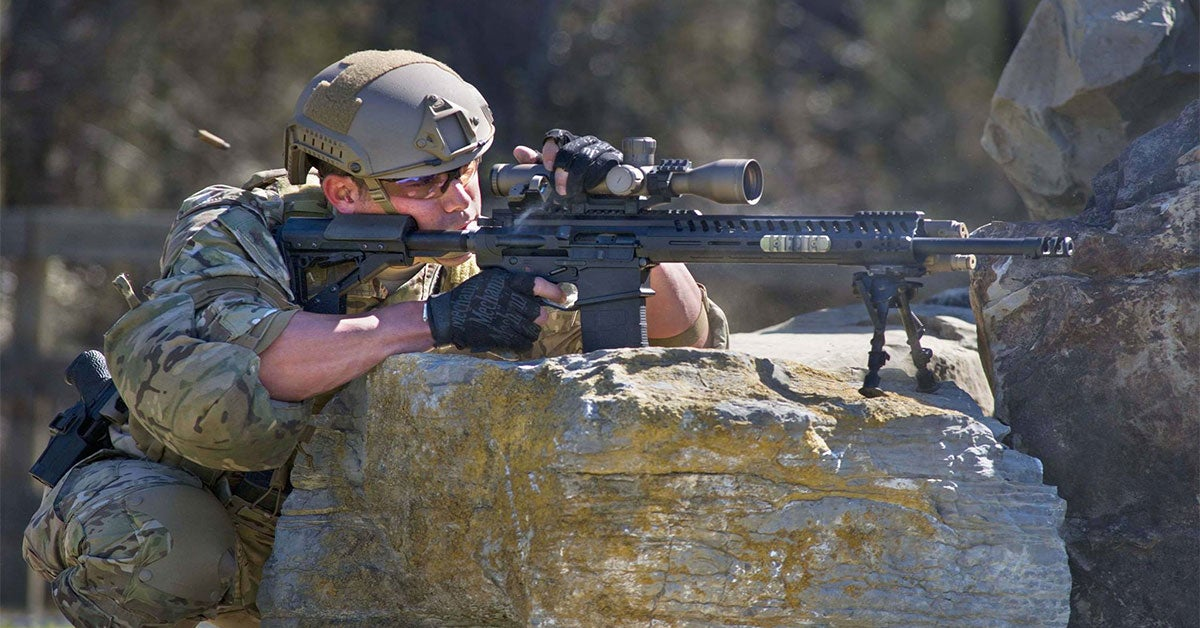 The reasons why you should shoot with both eyes open, according to a Green Beret
