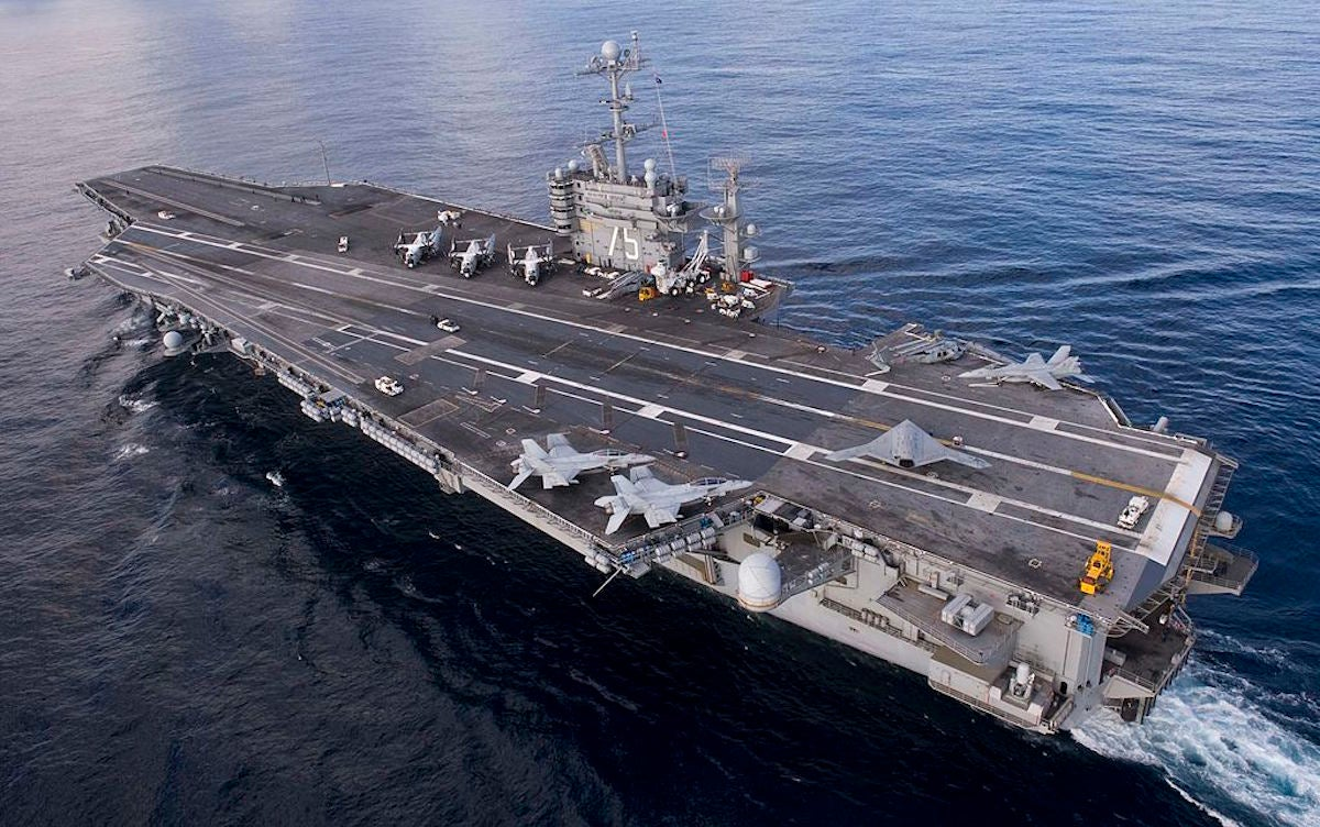 Truman, Lincoln strike groups practice warfighting as a pair