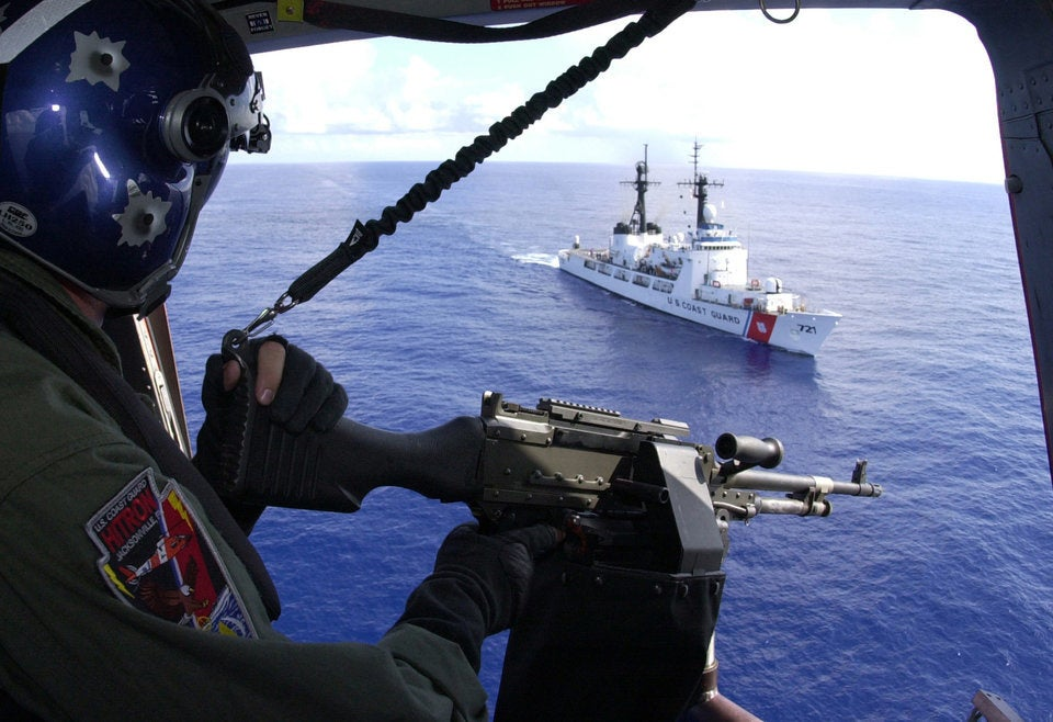 9 photos show why Coast Guard snipers are some of the best