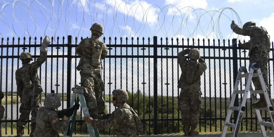 Pentagon prepares to extend southern border deployment