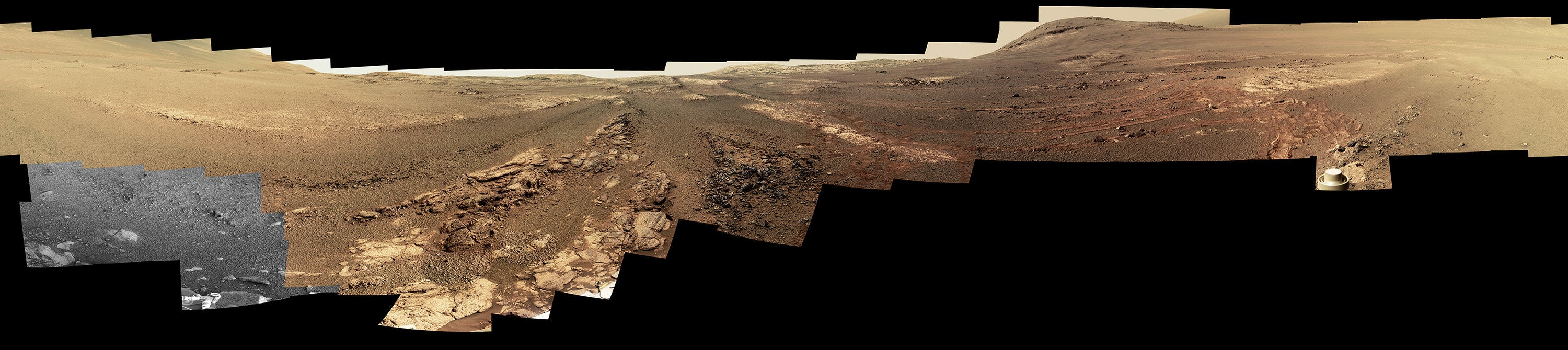 The Mars close-ups of Opportunity's last panorama are crazy