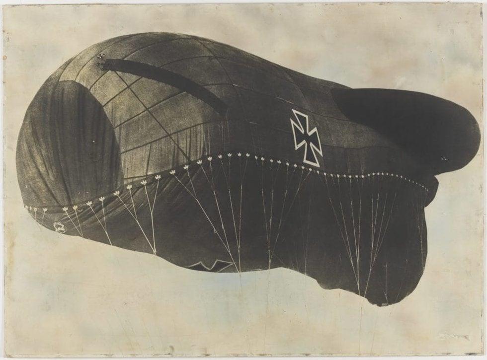 Barrage balloons