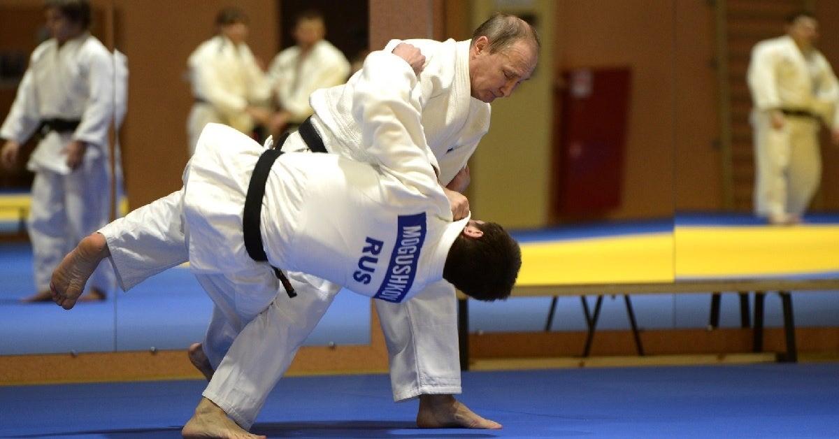 Marine Black Belt Judges Vladimir Putin S Judo Moves We Are The Mighty