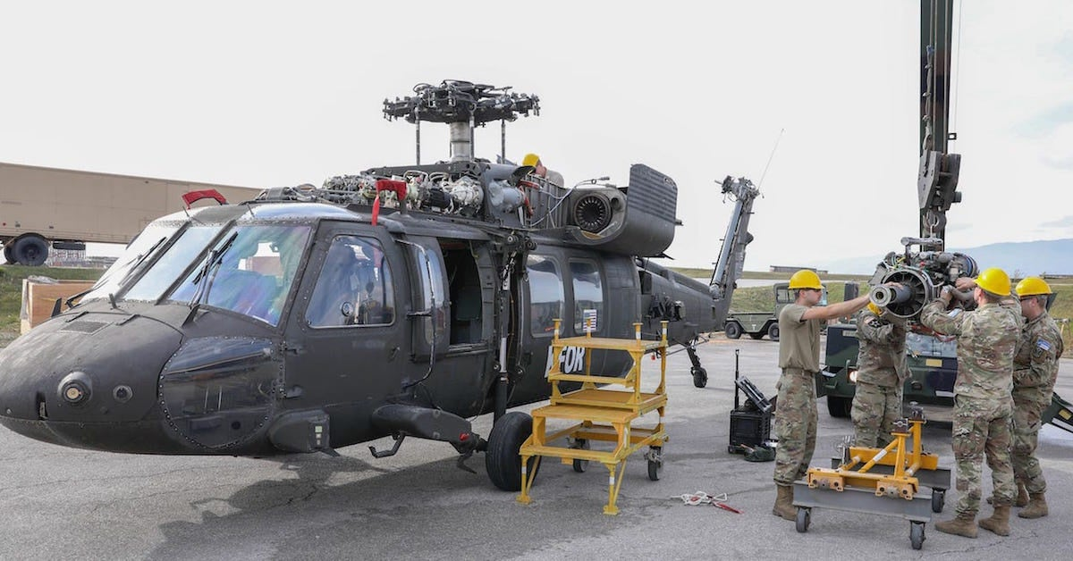 How US soldiers keep Black Hawk helicopters flying - We Are The MightyWe Are The Mighty