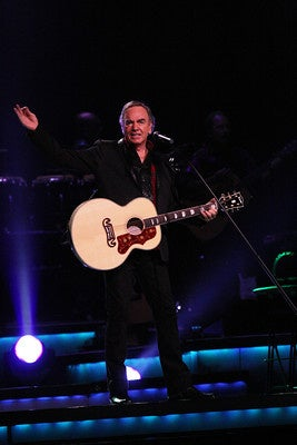 Watch Army brat Neil Diamond sing his COVID-19 version of 'Sweet Caroline'